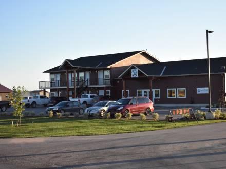 Bay River Inn & Suites