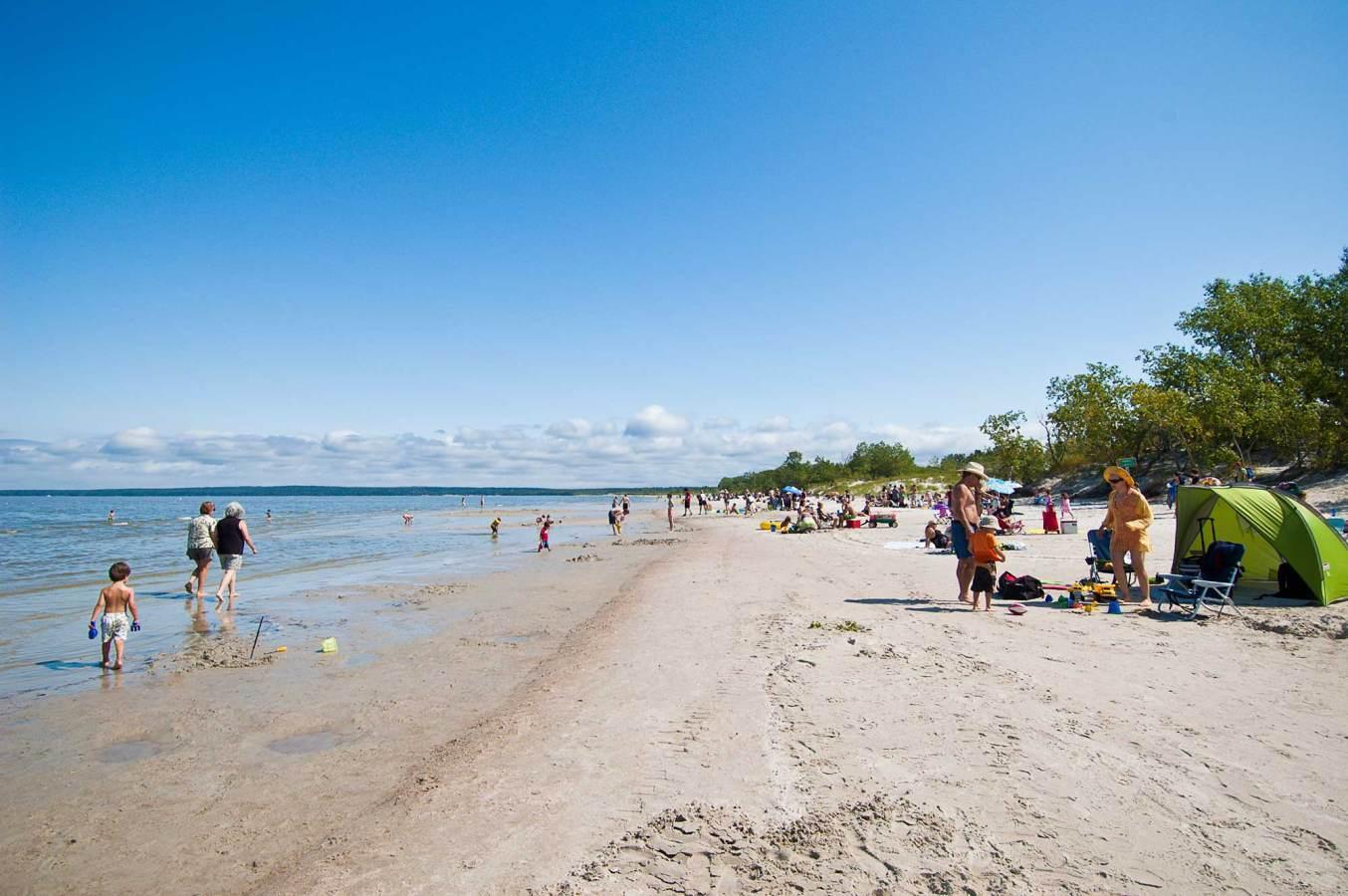 Grand Beach Provincial Park | Travel Manitoba
