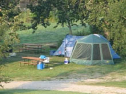 Little_Village_Inn_Guest_House_-_Assessipi_Beach_&_Campground.jpg