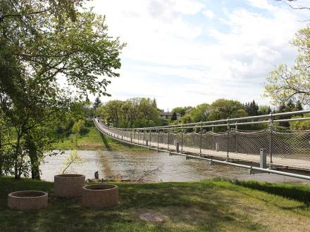 Swinging bridge over the Souris River