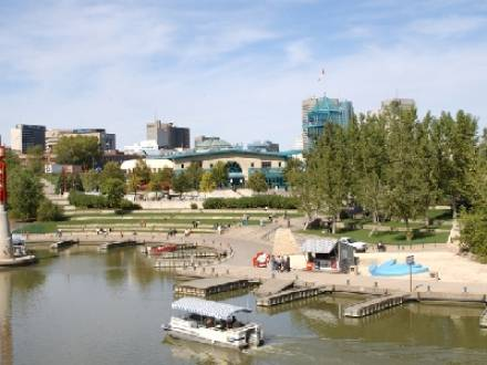The_Forks_North_Portage_Partnership_-_The_Forks_Historic_Port_and_Riverwalk.jpg